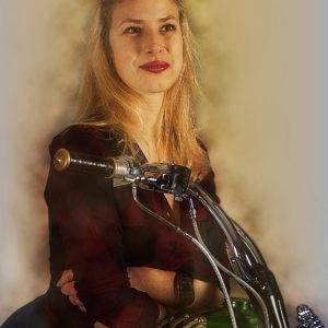 Harley Laura 4